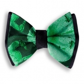 """From """"Etno Chic Collection"""", beautiful pre-tied bow tie """"Liberty"""" is entirely handmade in Italy with an extraordinary silk fabric, a style detail that adds the right touch of Italian elegance. Made to highest specifications by skilled artisans. Perfect for any special occasion.  Also available in child size. Men's Accessories by Davide Cristofaro www.davidecristofaro.com  #davidecristofarofficial #etnochiccollection #liberty #menwears #promotion #shopping #art #fashion #design #madeinitaly #glamour #style #luxury #scarfs #silk #cashmere #wool #bowtie #handmade #москва #moscow #london #streetstyle_london #milan #milano_streetstyle #apulia #influencer #fashionistas #accessories #luxurybrand"""